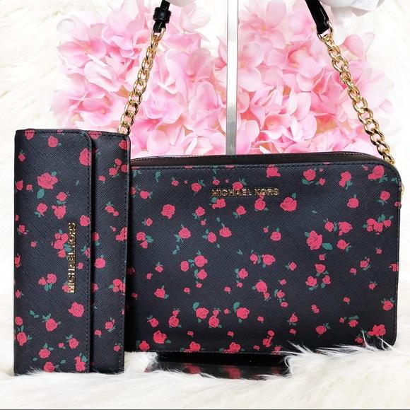 b5b8578adb28 Michael Kors Bags | Nwt Jet Set Floral Crossbody N Wallet | Poshmark